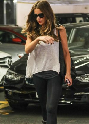 Kate Beckinsale - Visits a medical building in Beverly Hills