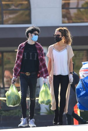 Kate Beckinsale with boyfriend Goody Grace in Los Angeles