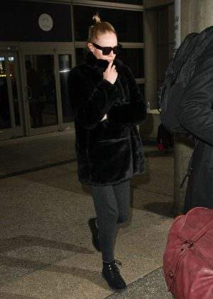 Kate Bosworth at LAX Airport in Los Angeles