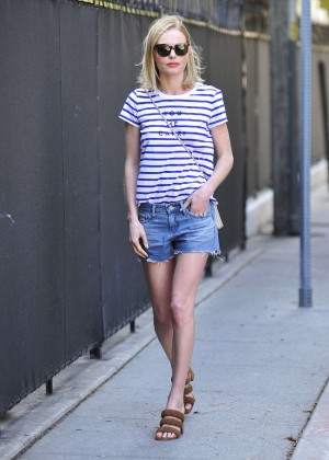 Kate Bosworth in Jeans Shorts -10