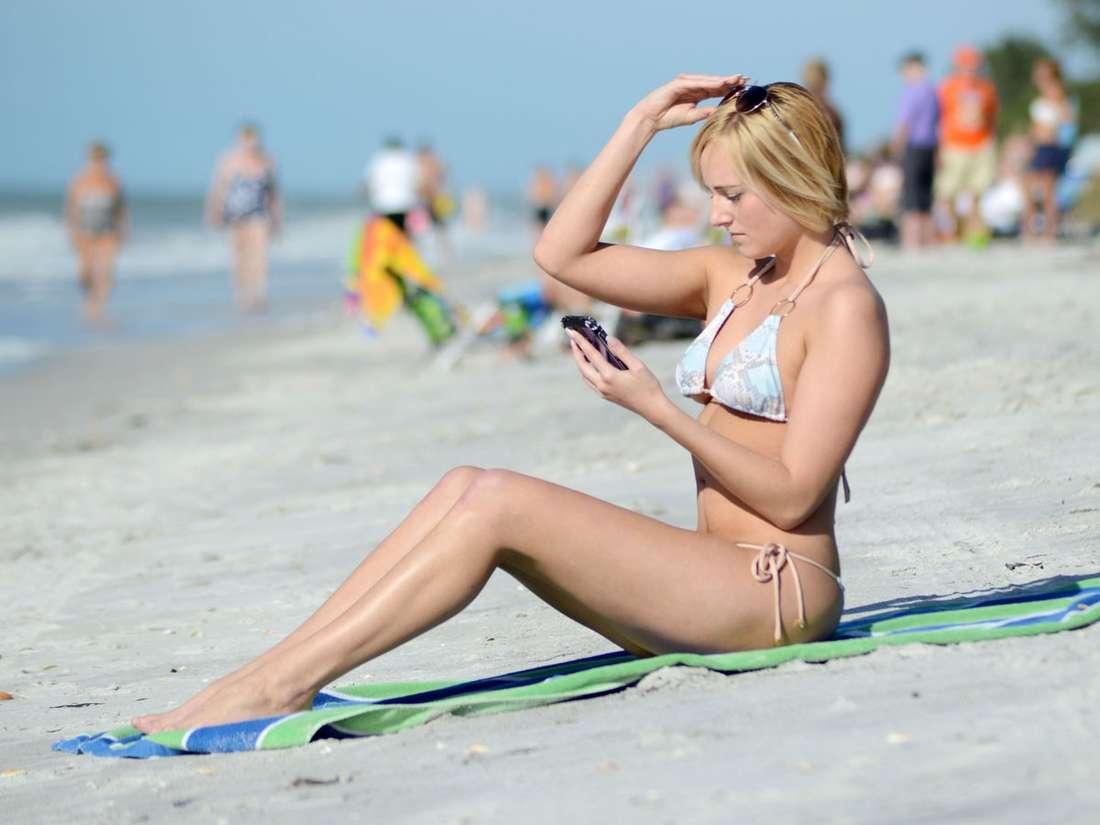 Kate England In Bikini 03 Gotceleb