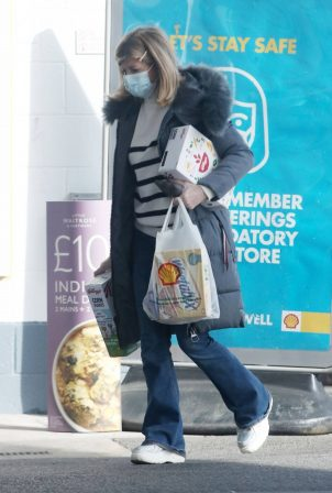 Kate Garraway - Seen after shopping in London