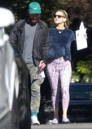 Kate Hudson and Danny Fujikawa go house hunting in the Pacific Palisades