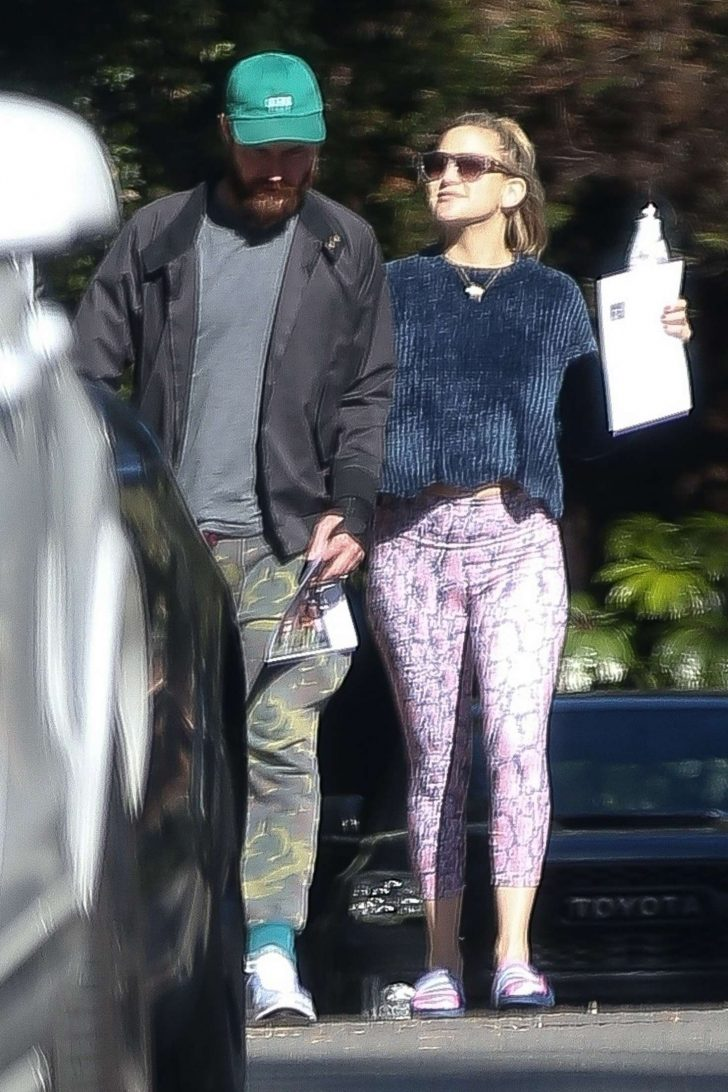 Kate Hudson and Danny Fujikawa go house hunting in the Pacific Palisades