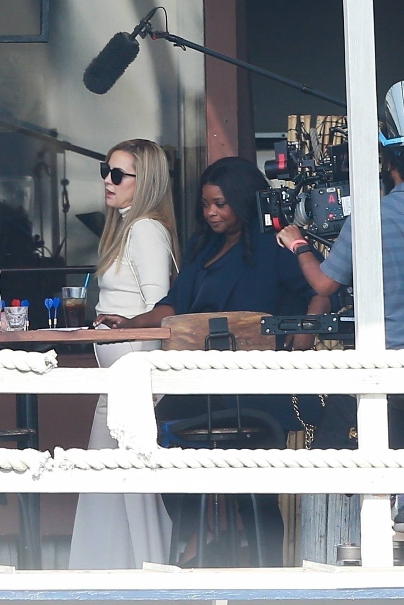 Kate Hudson and Octavia Spencer - Filming at a local eatery in Marina Del Rey