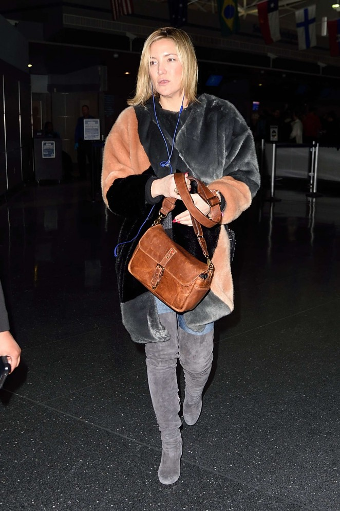 Kate Hudson: Arrives at JFK Airport -01