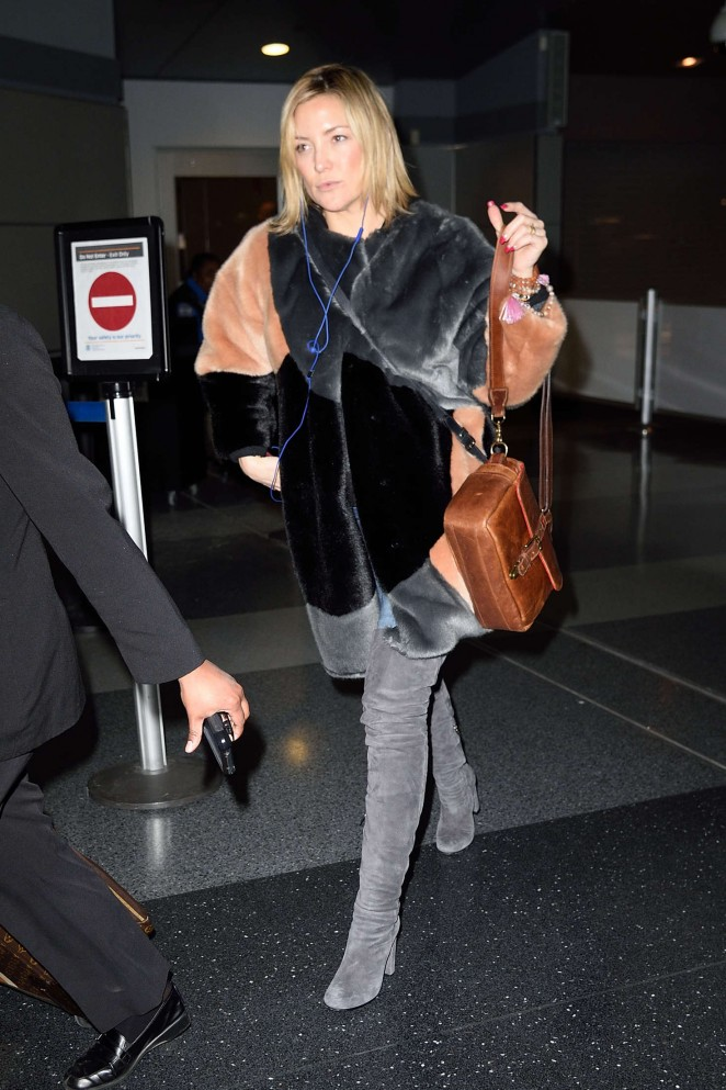 Kate Hudson: Arrives at JFK Airport -02