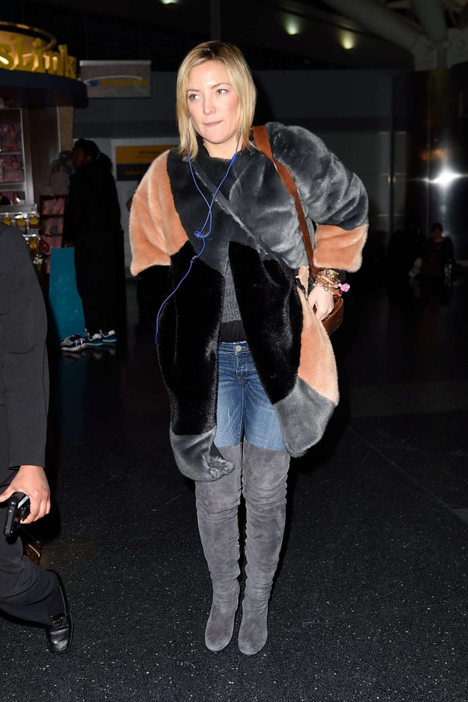 Kate Hudson: Arrives at JFK Airport -05