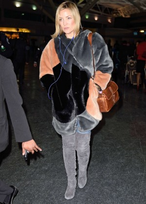 Kate Hudson - Arrives at JFK Airport in New York