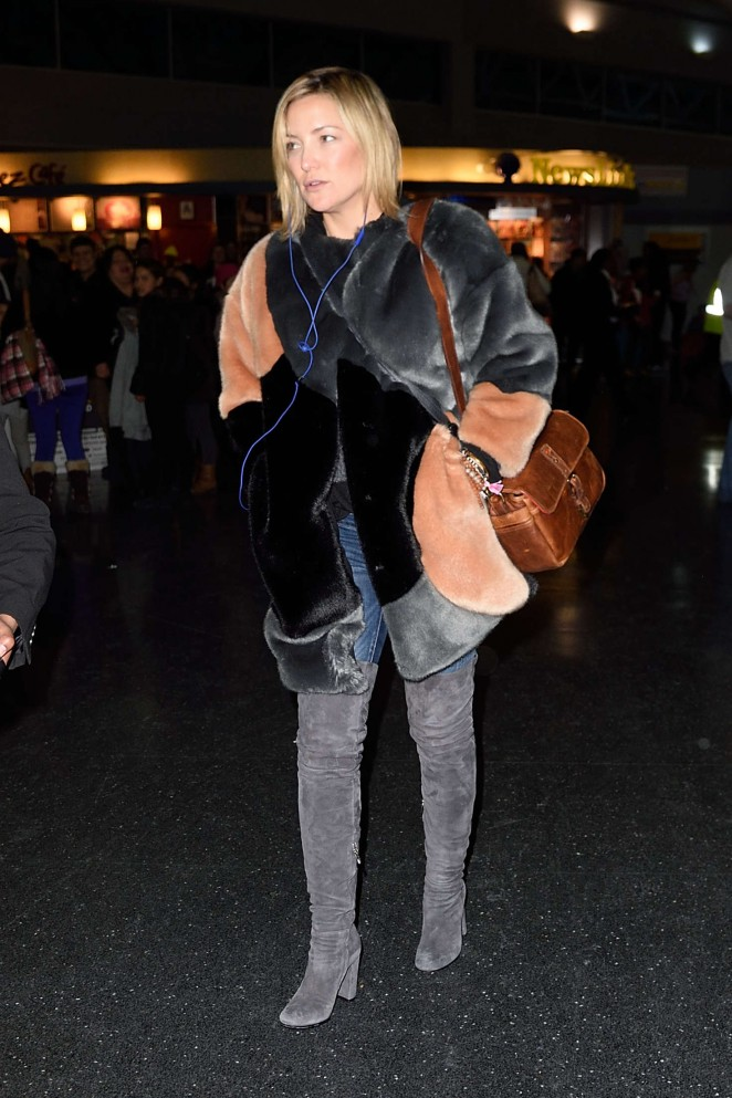 Kate Hudson: Arrives at JFK Airport -11