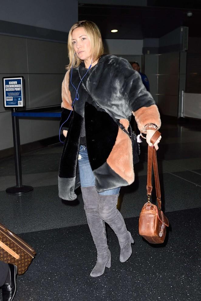 Kate Hudson: Arrives at JFK Airport -12