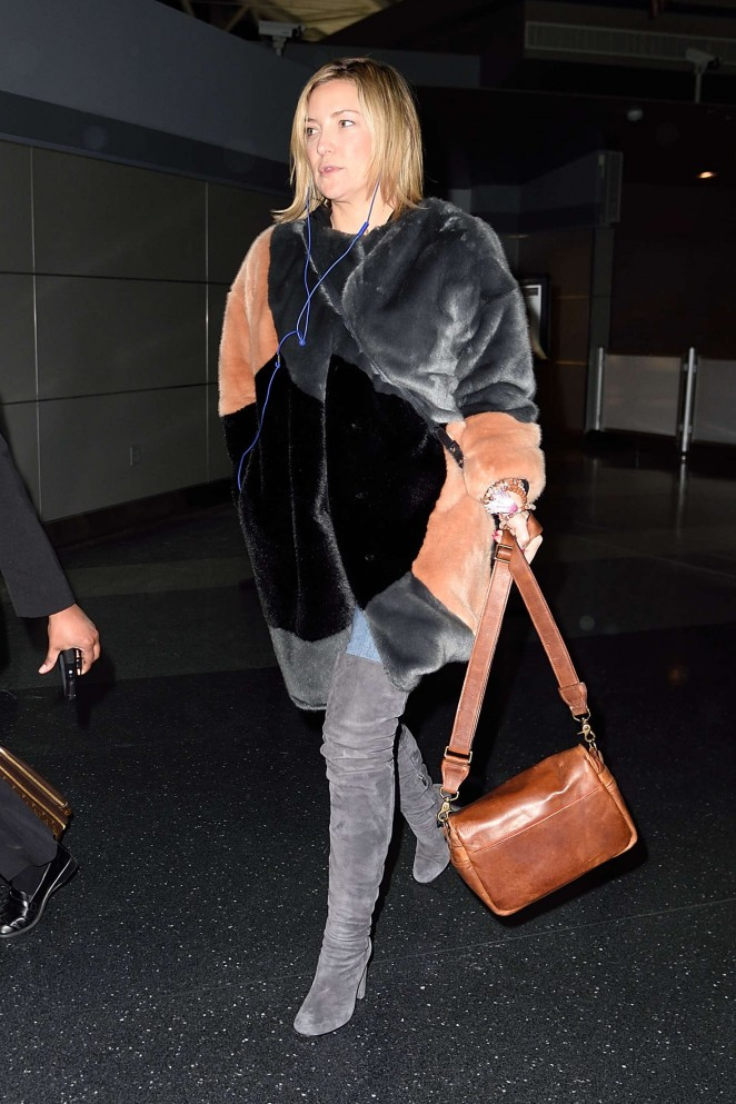 Kate Hudson: Arrives at JFK Airport -13