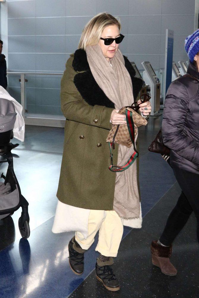 Kate Hudson - Arrives at JFK Airport in NY