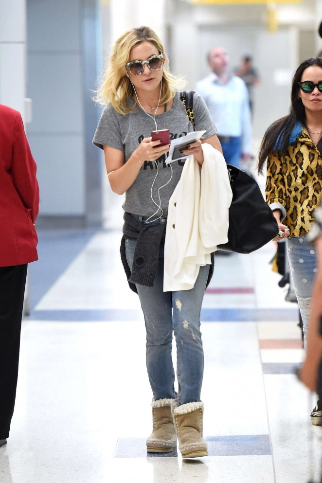 Kate Hudson - Arrives at JFK airport in NYC