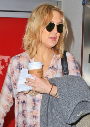 Kate Hudson - Arrives at LAX Airport in LA
