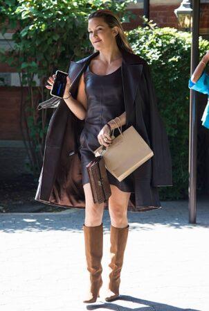 Kate Hudson - Arrives to Michael Kors Spring-Summer 2022 during New York Fashion Week
