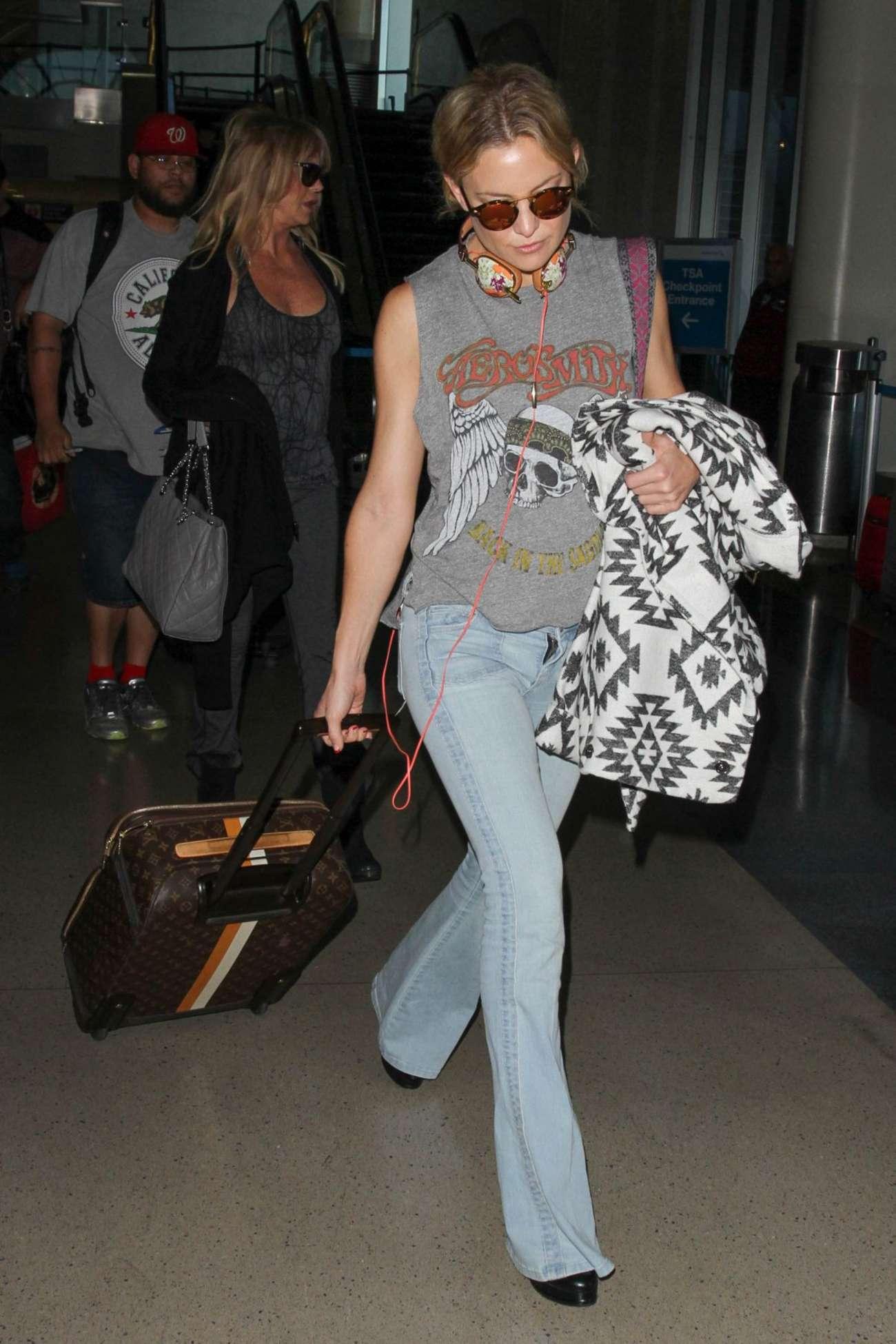 Kate Hudson in Jeans at LAX in LA