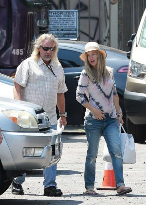Kate Hudson - Arriving on the set of her next project in Los Angeles