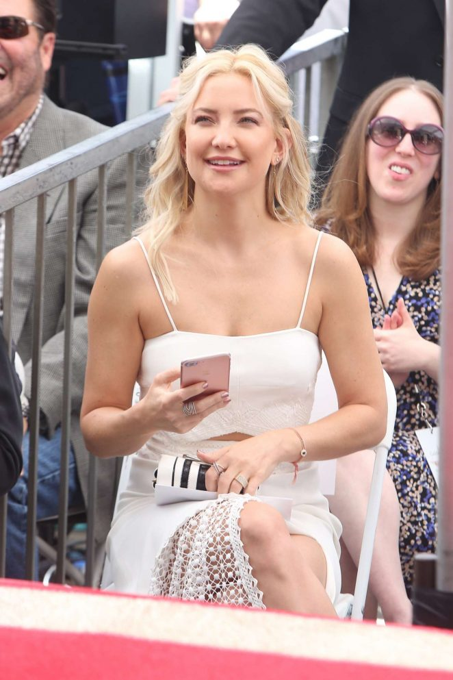 Kate Hudson at Goldie Hawn and Kurt Russells walk of fame ceremony -17
