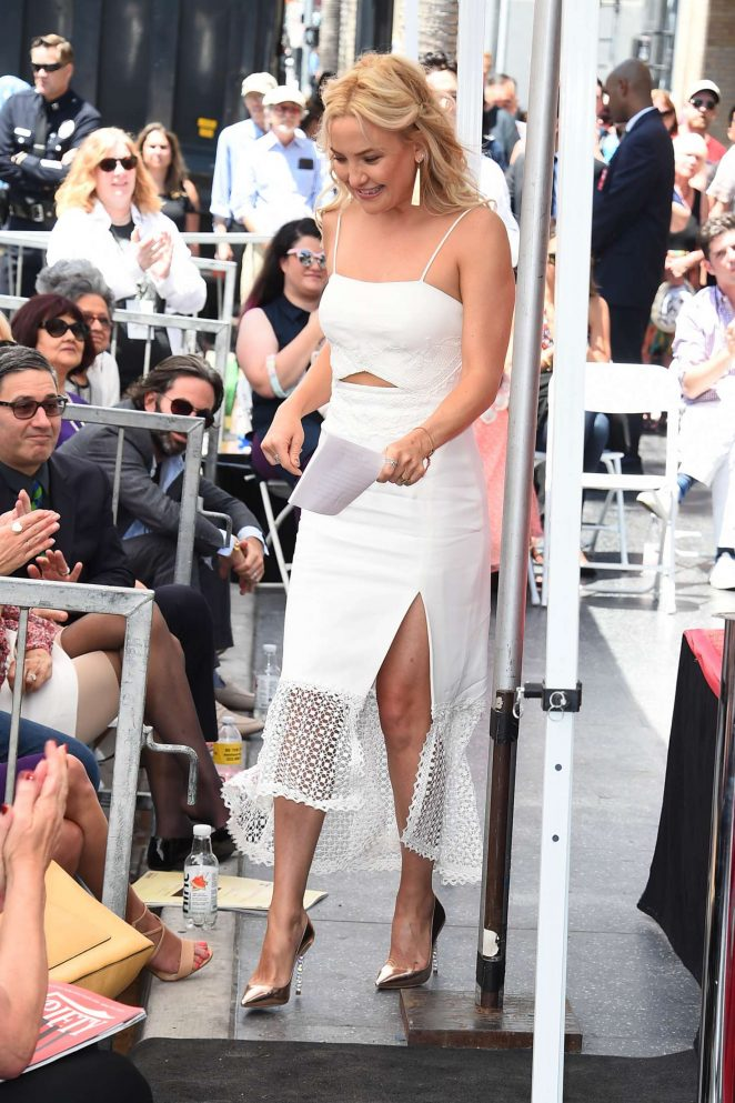Kate Hudson at Goldie Hawn and Kurt Russells walk of fame ceremony -28