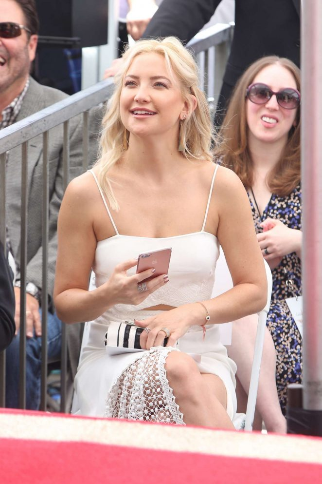 Kate Hudson at Goldie Hawn and Kurt Russells walk of fame ceremony -32