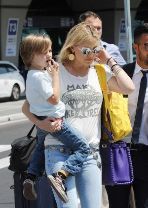 Kate Hudson at International Airport in Rome