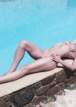 Kate Hudson in Bikini -02