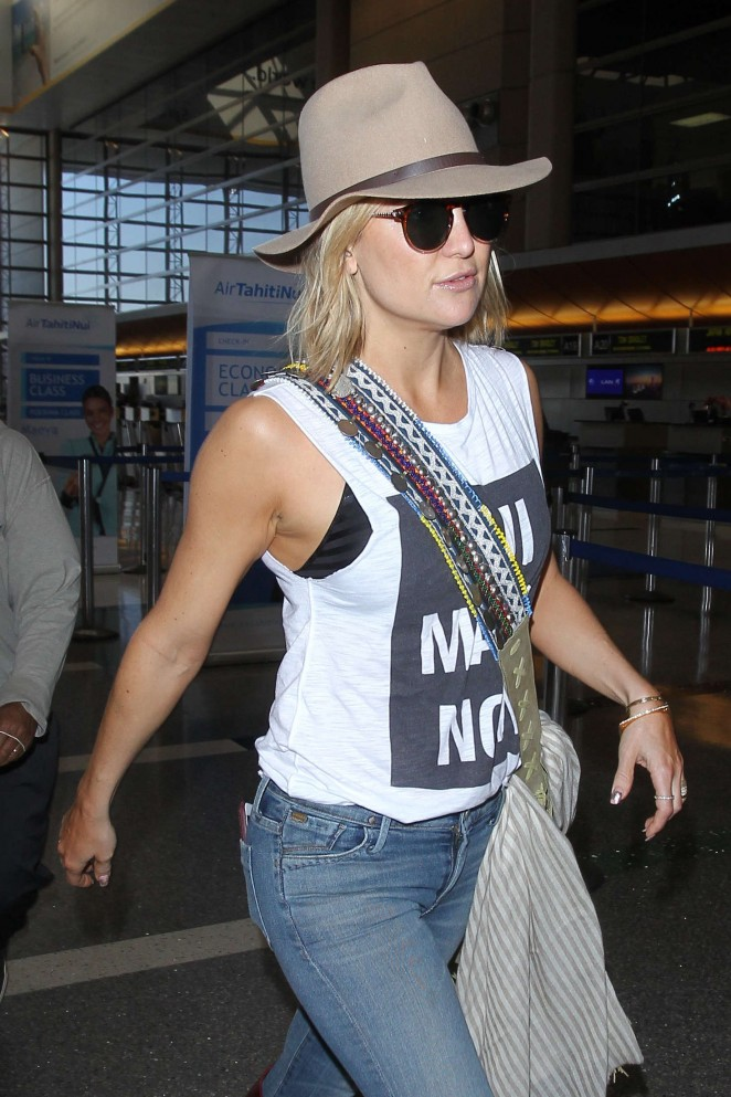 Kate Hudson in Jeans at LAX airport in Los Angeles