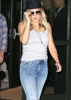 Kate Hudson in Jeans out in New York City