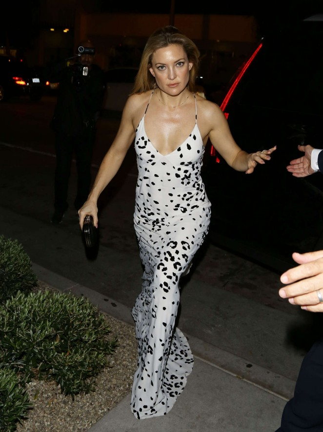 Kate Hudson in Long Dress at a Restaurant in Hollywood