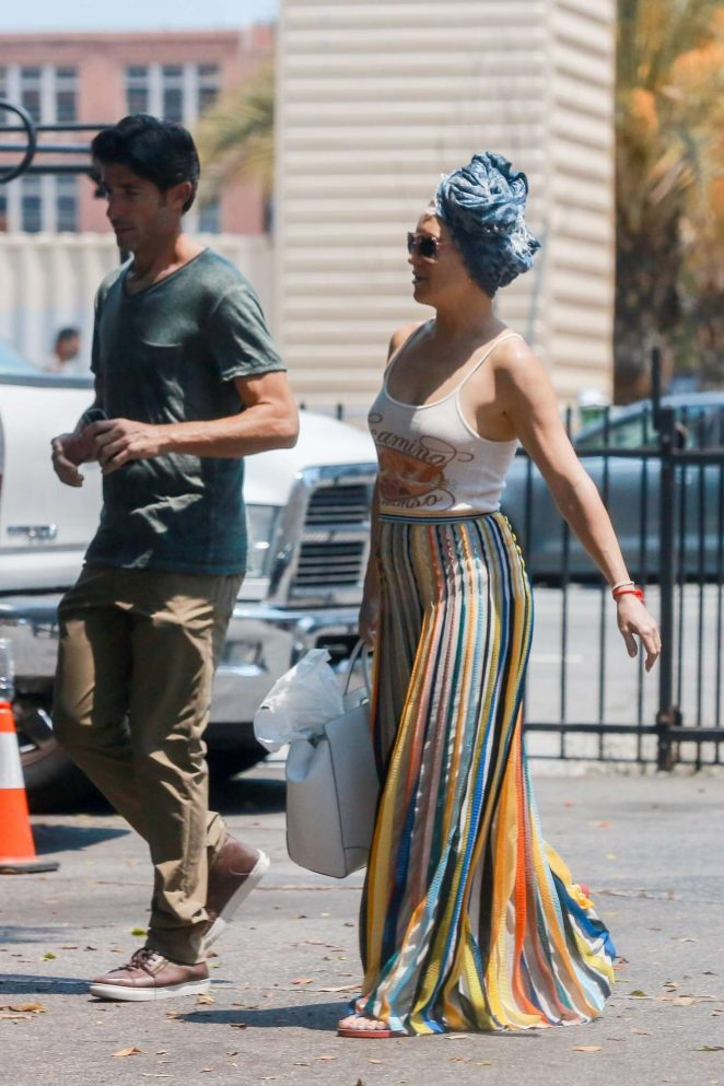 Kate Hudson in Long Skirt Out in Los Angeles
