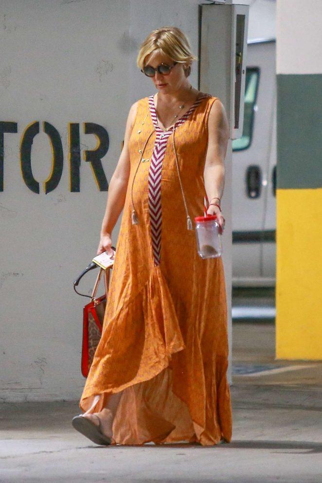 Kate Hudson in Maxi Dress - Shopping in Santa Monica