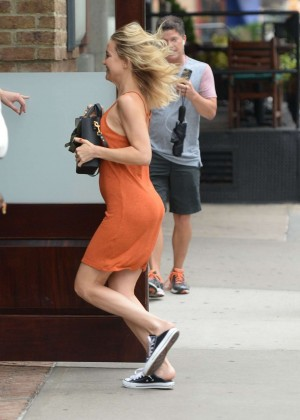 Kate Hudson in Mini Dress Arriving at her hotel in Soho