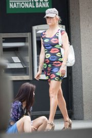 Kate Hudson in Mini Dress - On set of 'Mona Lisa and the Blood Moon' in New Orleans