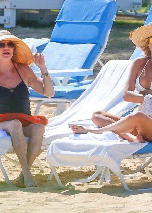 Kate Hudson in White Bikini 2016 -01