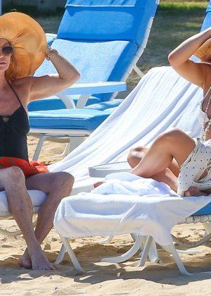 Kate Hudson in White Bikini 2016 -02