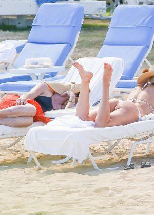 Kate Hudson in White Bikini 2016 -08