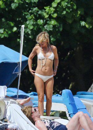 Kate Hudson in White Bikini 2016 -28