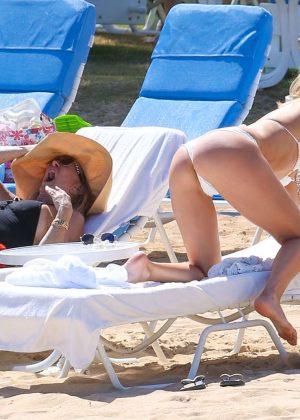 Kate Hudson in White Bikini 2016 -31