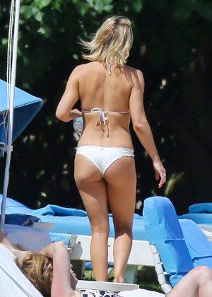 Kate Hudson in White Bikini 2016 -33