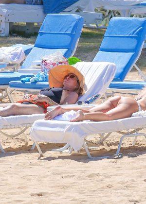 Kate Hudson in White Bikini 2016 -35