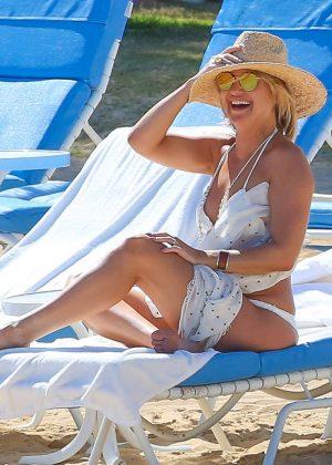 Kate Hudson in White Bikini 2016 -36