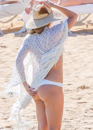 Kate Hudson in White Bikini 2016 -37