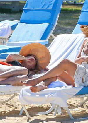 Kate Hudson in White Bikini 2016 -38