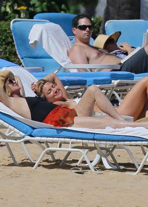 Kate Hudson in White Bikini 2016 -39