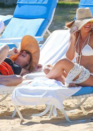Kate Hudson in White Bikini 2016 -43