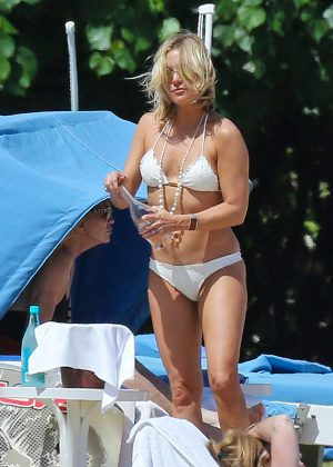 Kate Hudson in White Bikini 2016 -51