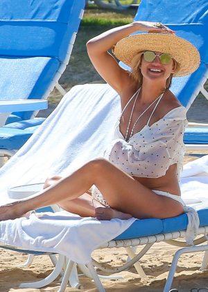 Kate Hudson in White Bikini 2016 -52