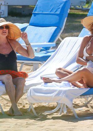 Kate Hudson in White Bikini 2016 -53