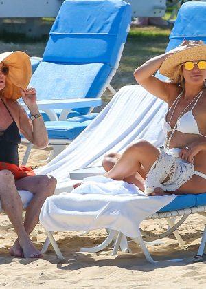 Kate Hudson in White Bikini 2016 -56